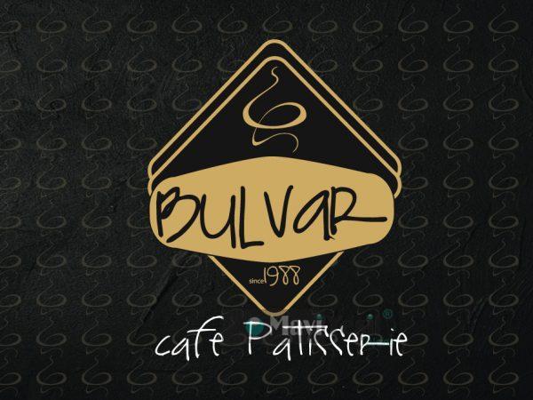 <span>BULVAR CAFE</span><i>→</i>